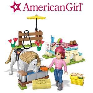 American Girl Accessories - America Girl Mega Construx Set